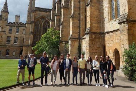 Oxford-ul cucerit de studentii romani